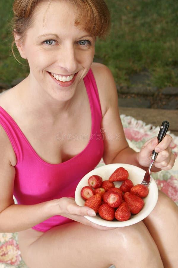 纵向草莓 库存图片