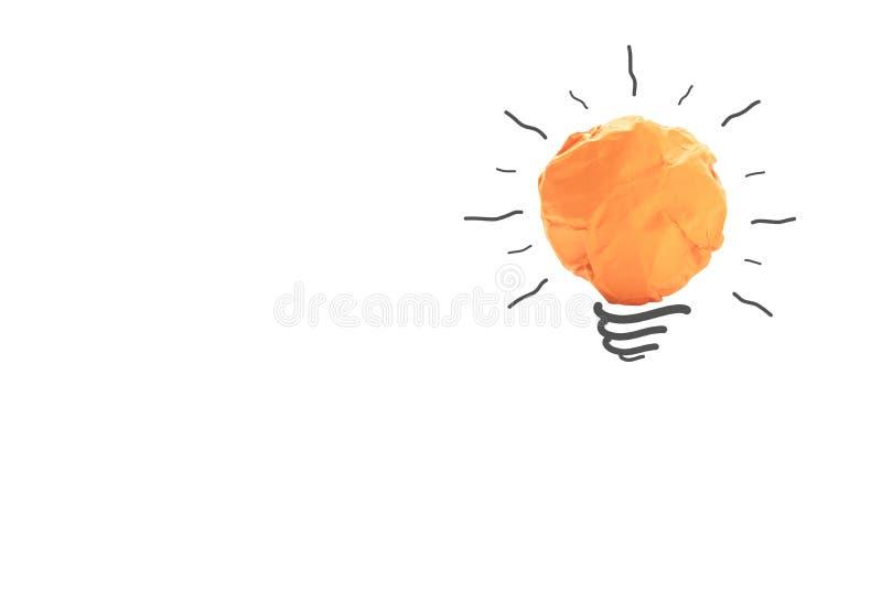 纸做对想法力量能量概念的电灯泡在白色 免版税库存照片