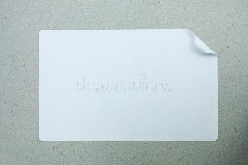 贴纸在灰色背景标记紧密  免版税库存图片