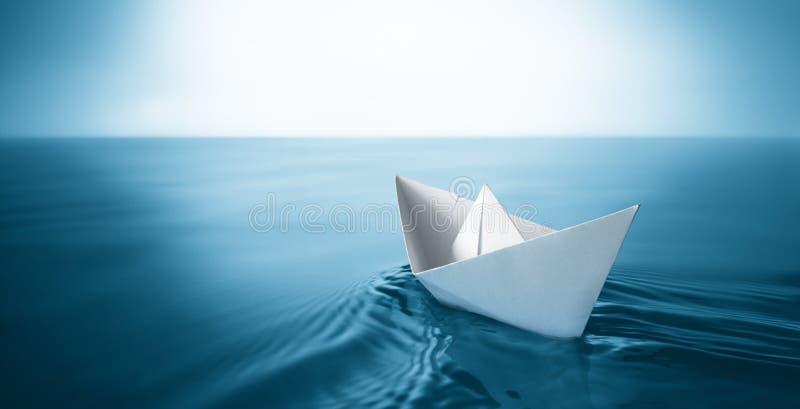 纸小船 免版税库存图片