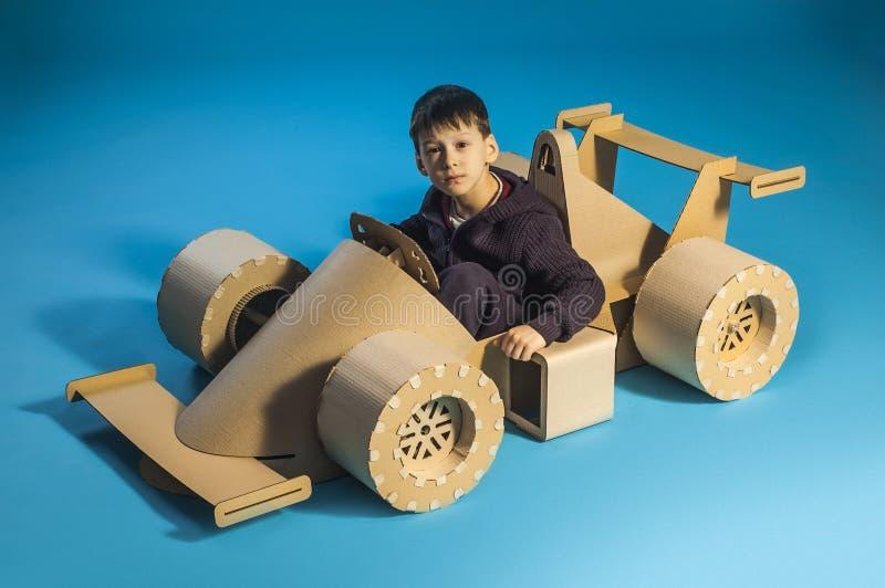纸板赛车 免版税库存图片