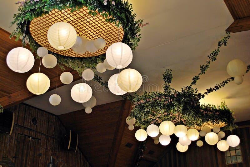 纸灯在餐馆 库存照片