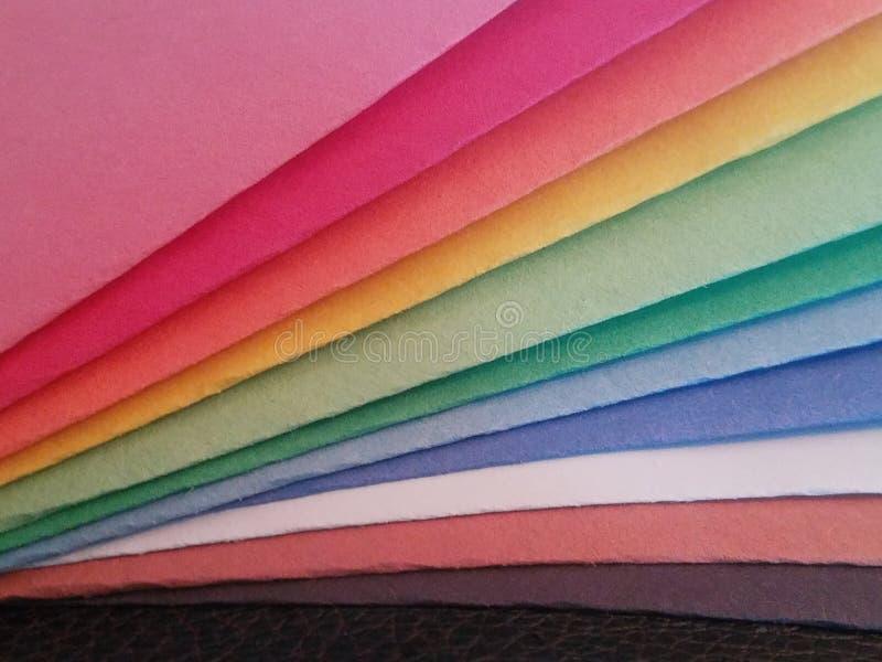 纸的彩虹色 免版税库存照片