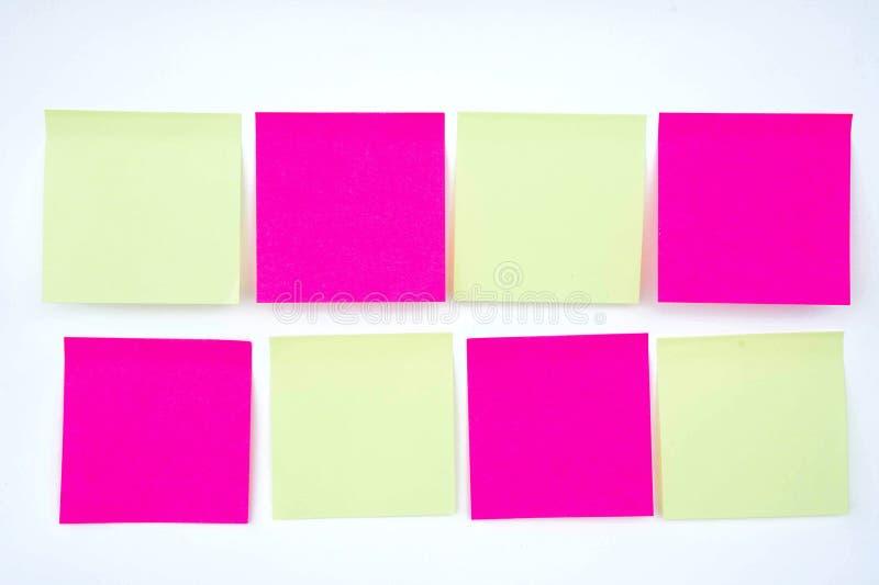 纸笔记,注意 在提示A少校抢救 免版税库存图片