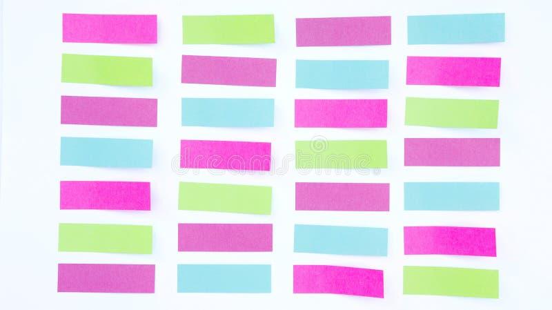 纸笔记,注意 在提示A少校救援活动 B 免版税库存图片