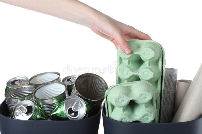 纸箱和金属罐子 免版税库存图片