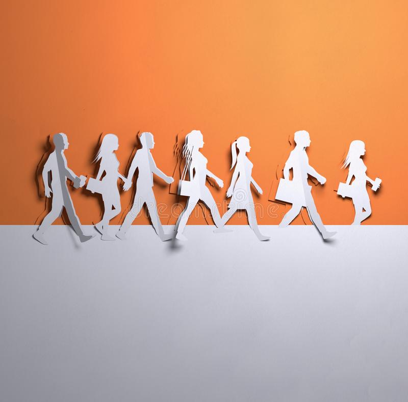 纸艺术-小组走的人民 库存例证