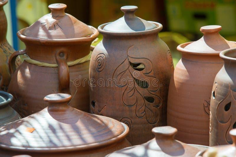 纹理,背景 瓦器 罐、盘和其他文章m 库存图片