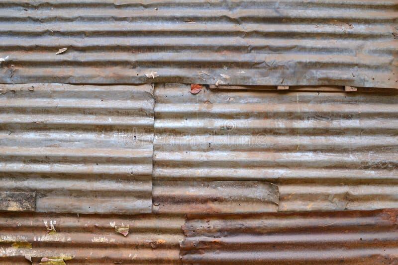 纹理4242 -生锈的波纹状的板料 库存照片