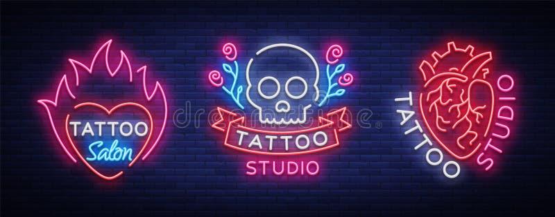 纹身花刺沙龙套商标传染媒介 霓虹灯广告,人的心脏,有玫瑰的头骨的标志的汇集,明亮 向量例证