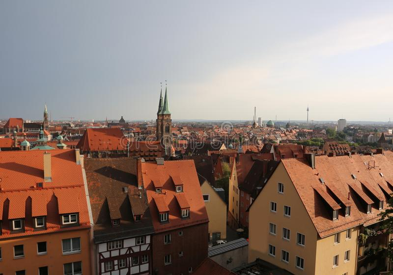 纽伦堡市全景在德国在有roo的中欧 库存图片