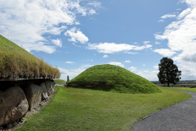纽格莱奇墓古墓在北爱尔兰 免版税库存图片