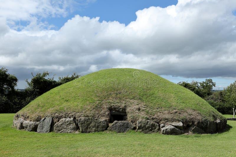 纽格莱奇墓古墓在北爱尔兰 免版税库存照片