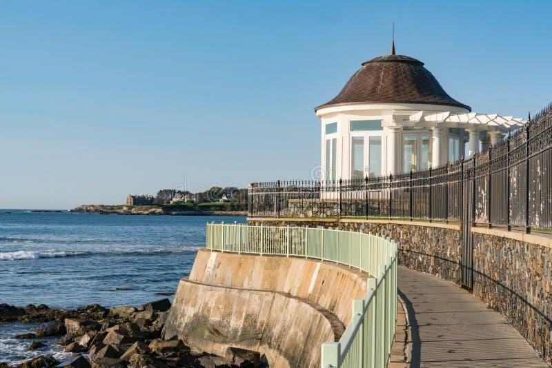 纽波特,罗德岛海岸线走道 库存图片