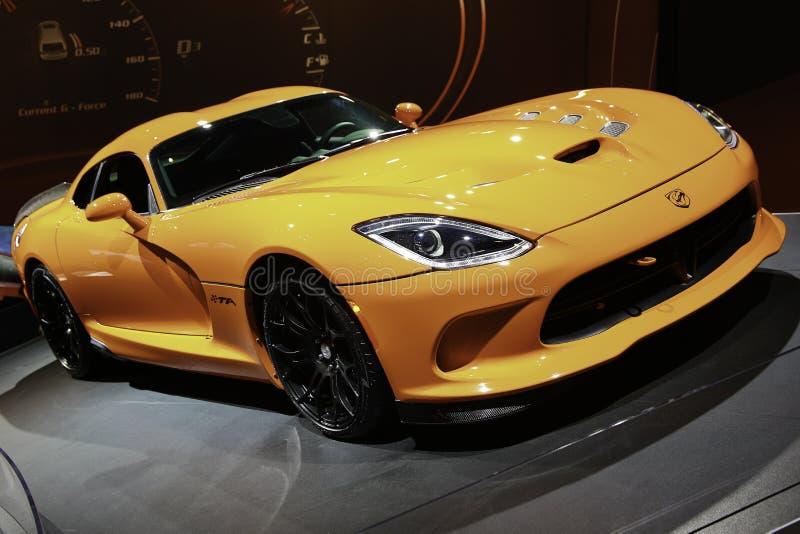 2014个SRT蛇蝎TA被陈列在纽约国际车展 免版税库存照片