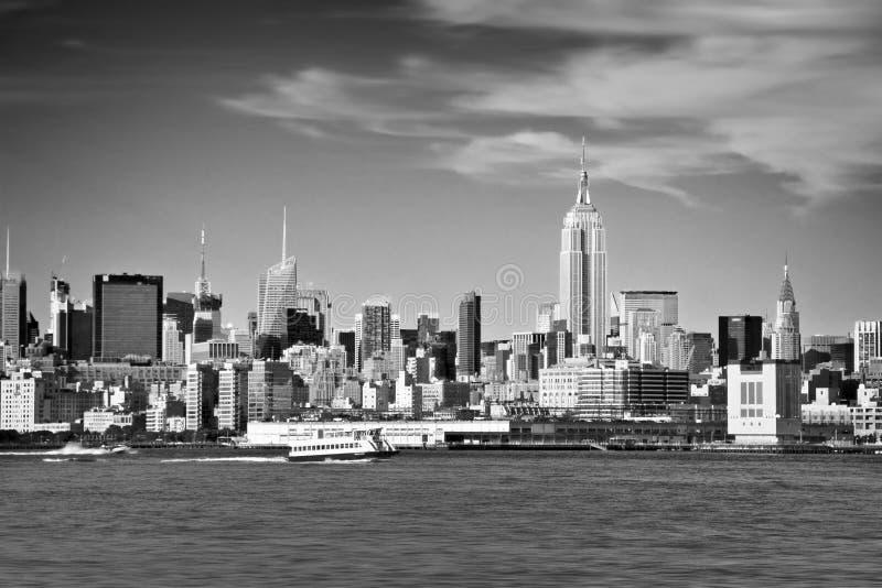 纽约地平线和哈得逊河黑白的 库存图片