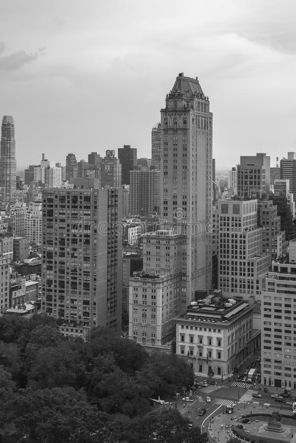 Download 纽约城,曼哈顿 库存照片. 图片 包括有 人们, 公园, 摩天大楼, 夏天, 布哈拉, 天气, 视图, 拱道 - 30330604