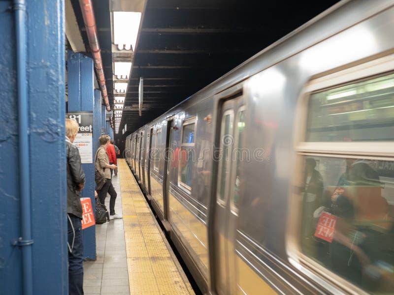 纽约大都会运输署MTA地铁whizzin 免版税库存图片