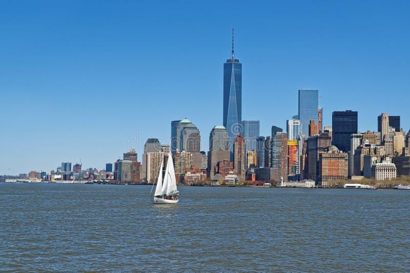 纽约曼哈顿地平线看法在哈得逊河的 免版税库存图片