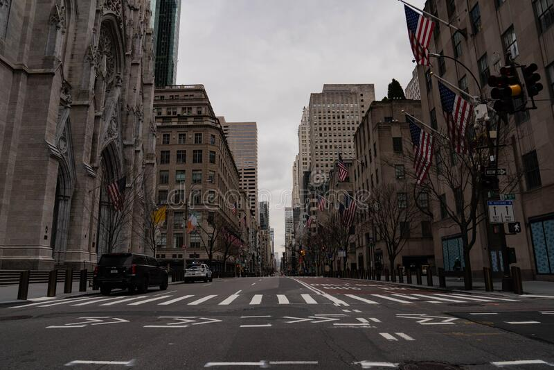 纽约第五大道圣帕特里克大教堂 图库摄影