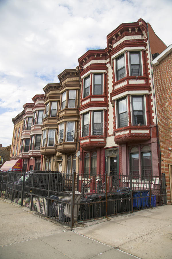 """纽约褐砂石在Bedford†""""Stuyvesant邻里在布鲁克林 免版税图库摄影"""