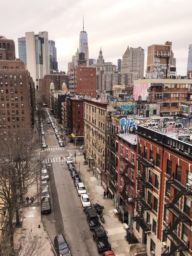 纽约难以置信的对比  库存照片