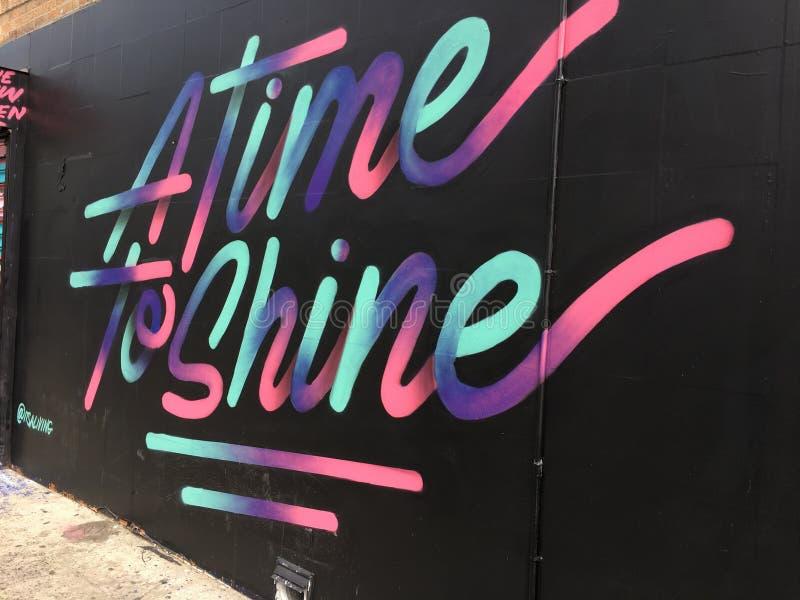 纽约颜色街道艺术À时间发光 免版税图库摄影