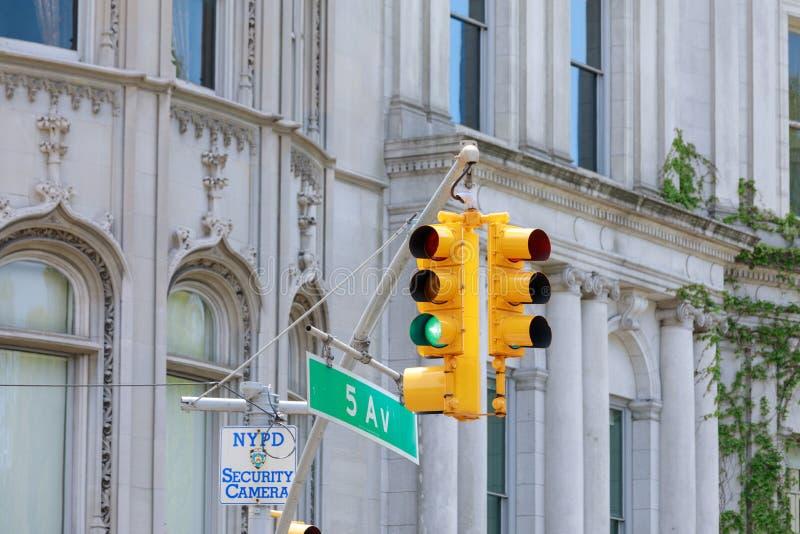纽约黄色红绿灯 免版税库存图片