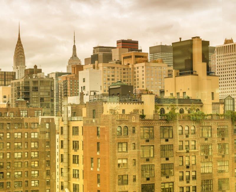 纽约,曼哈顿中城老和现代大厦  库存照片