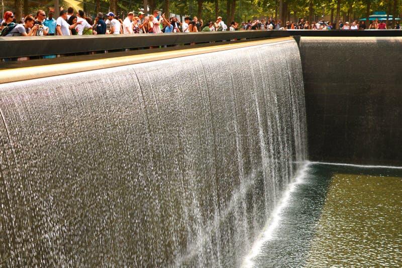 纽约,美国- 2018年9月2日:在香港世界贸易中心的纪念品在第10周年爆心投影纪念品致力了 库存图片