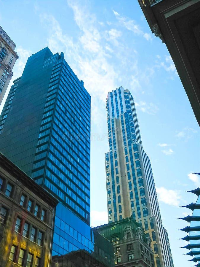 纽约,美国- 2013年2月13日:城市与摩天大楼的曼哈顿视图 免版税库存照片