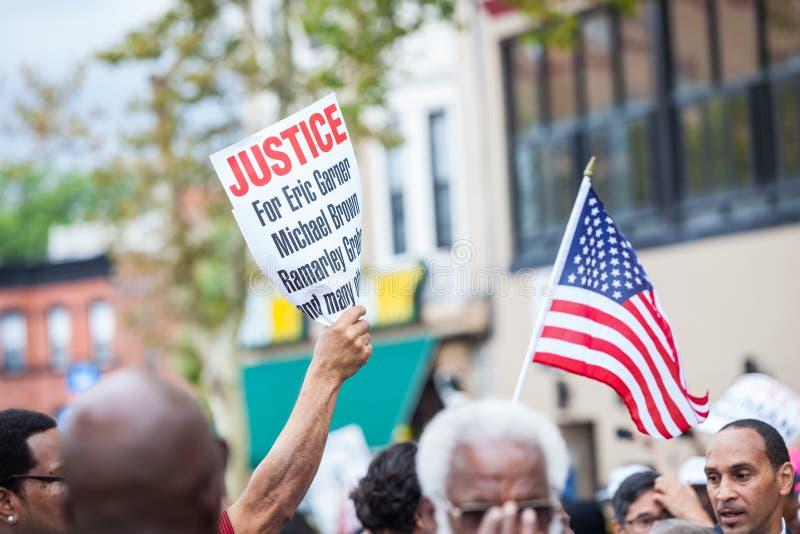 纽约,美国- 2014年8月23日:数千行军在Staten Islan 库存照片