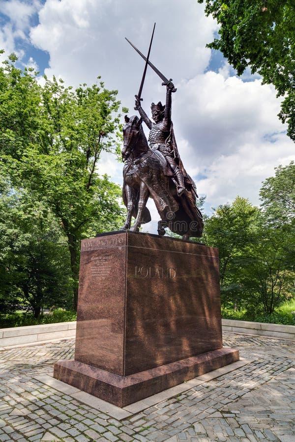纽约, NY/USA -大约2015年7月:Jagiello Monument国王在中央公园,纽约 库存照片