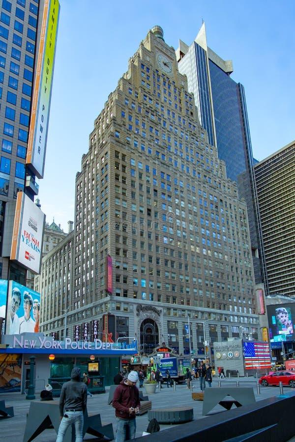 纽约,NY/美国- 2月 26日2019年:地标大厦,1501百老汇垂直的看法,也知道作为头等 免版税库存图片