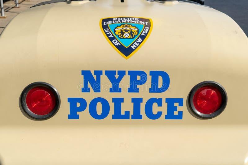 纽约,NY/USA - 3/19/2019:NYPD在曼哈顿街道上的发电器 免版税库存照片