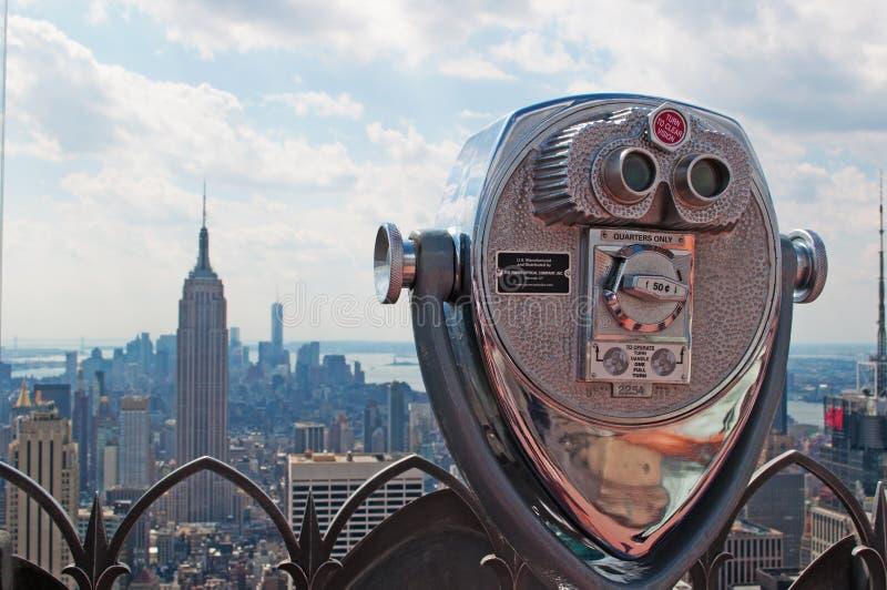 纽约:岩石的曼哈顿地平线、帝国大厦和上面看法双眼2014年9月16日 库存照片