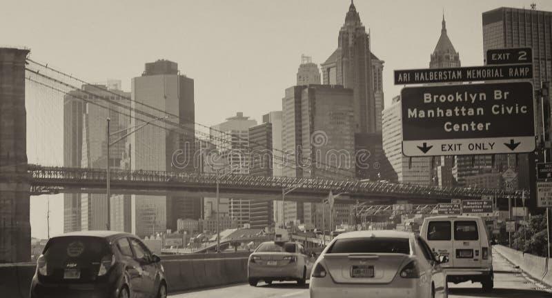 纽约- 2015年10月20日:汽车在FDR驱动加速 Tr 免版税库存照片