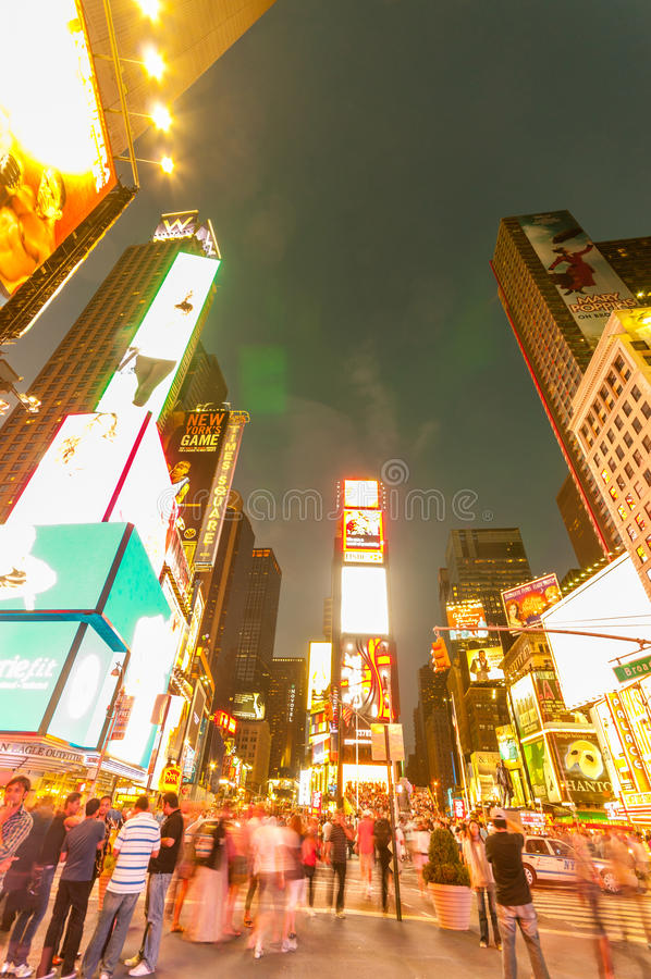 Download 纽约- 2010年9月5日:9月5日的时代广场在新 编辑类库存图片. 图片 包括有 汽车, 界面, 忠告 - 72360704