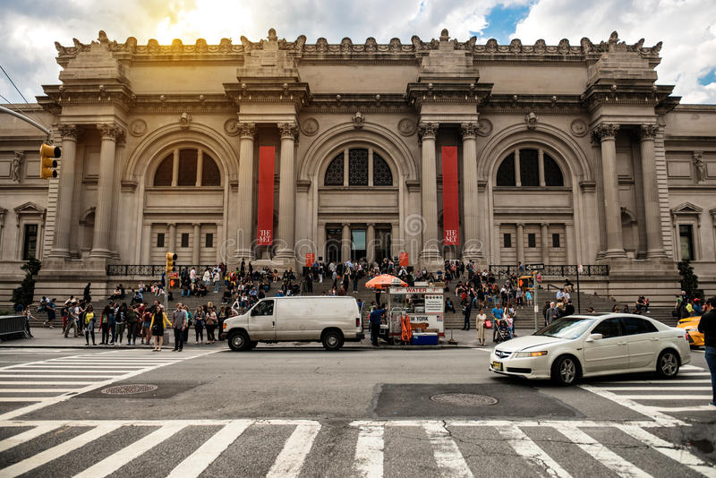 纽约- 5月14 :大都会艺术博物馆在2016年5月14日的纽约 MET是和是la的NYC地标 图库摄影