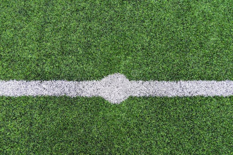 线标记白色绿草领域 库存照片