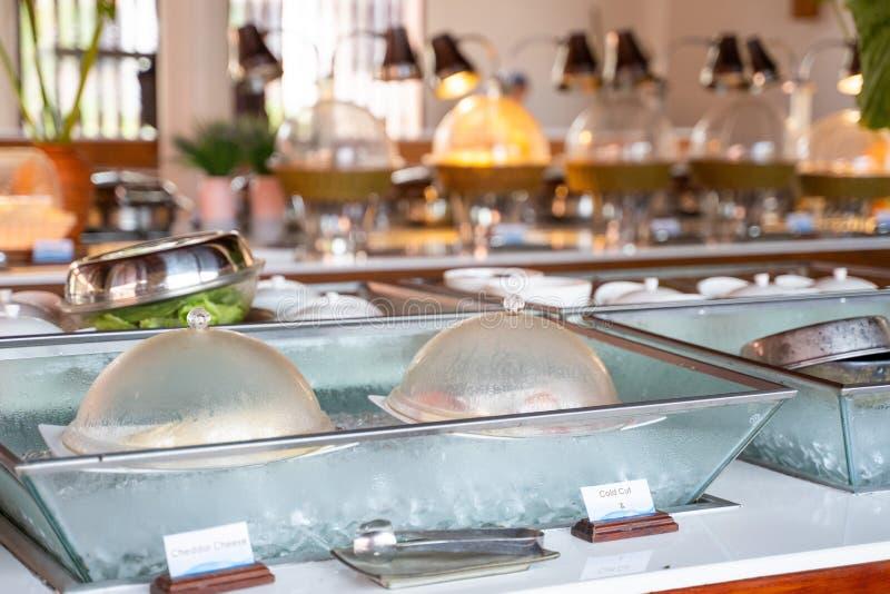 线自助餐早餐在旅馆 免版税库存照片