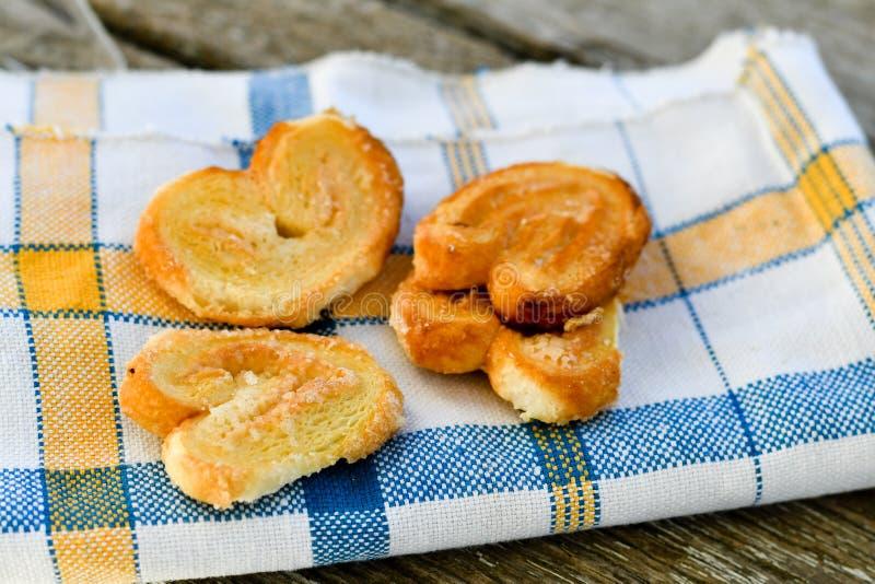 细平面海绵体曲奇饼和糖罐 免版税库存图片