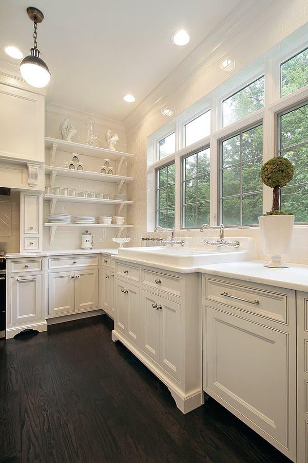 细木家具当代厨房白色 库存图片
