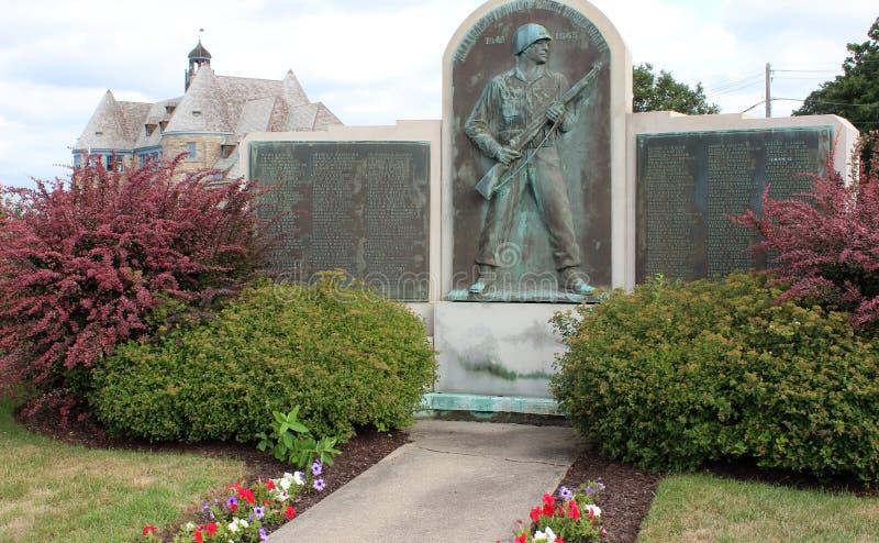 细节在庭院和军事纪念,历史的Narragansett,罗德岛州里, 2018年 库存照片