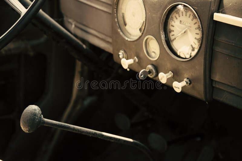 经典汽车仪表板 免版税图库摄影