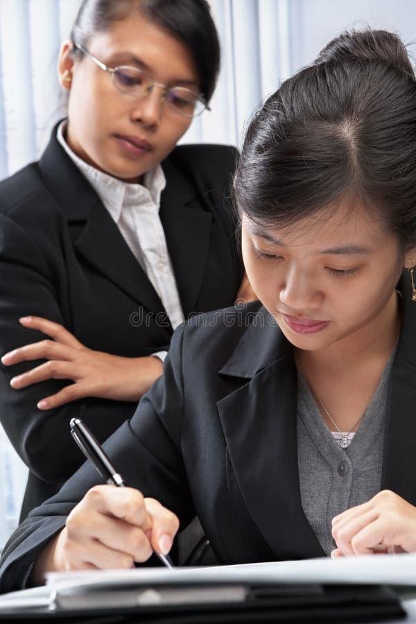 经理培训对象注意的工作 免版税库存照片
