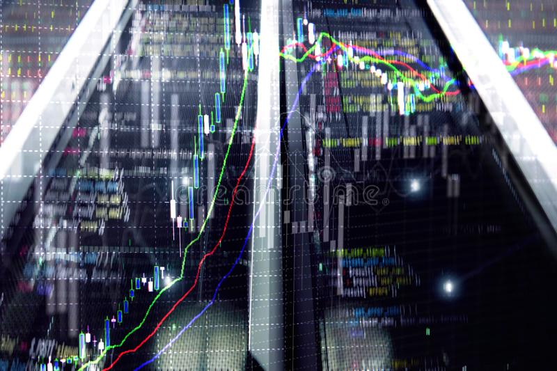 经纪监视中心 股票市场管理中心 在服务器室的贸易的算法 皇族释放例证