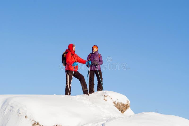 结合在小山顶部在一冷淡的天 库存图片