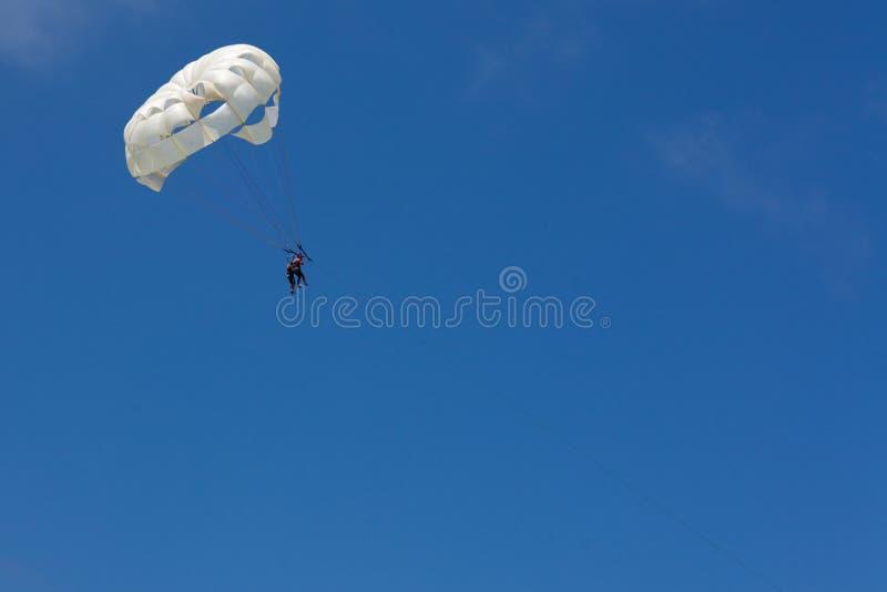 结合在海滩的帆伞运动在蓬塔Cana 免版税库存图片