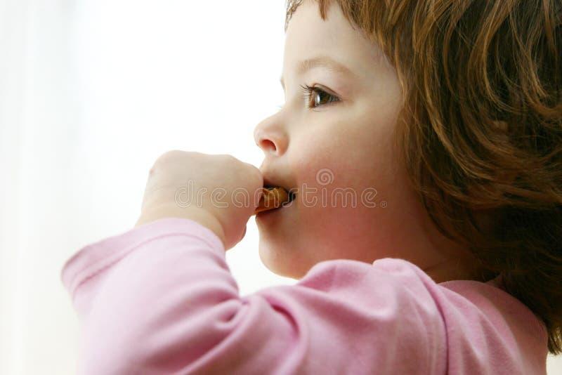 结块巧克力吃 免版税库存照片